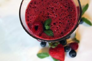 Berry kick-start smoothie