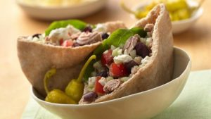 Greek pitta salad