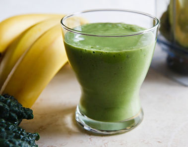 Kale and banana smoothie with chia seeds - weight loss drink