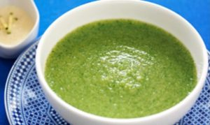 Rocket and broccoli detox soup