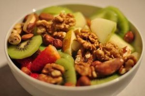 Breakfast berry bowl with nuts